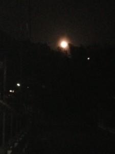 夜のウォーキング中の写真