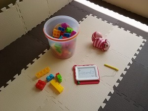臨時キッズコーナーのおもちゃ写真